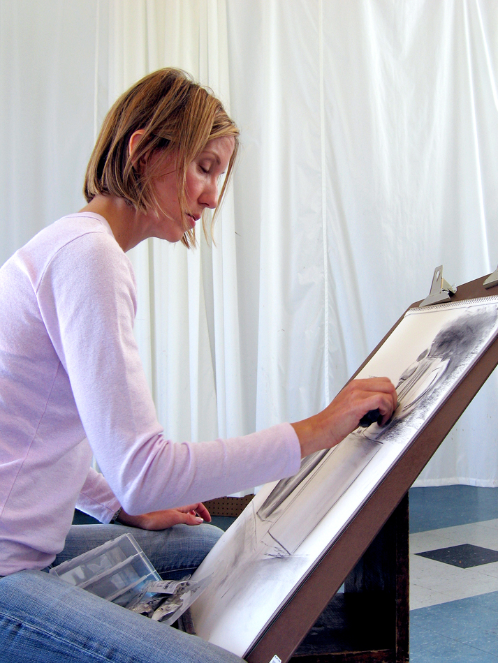 Kirkland Arts Center drawing student